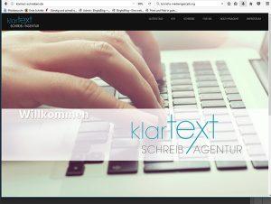 Tastatur, Finger tippen, Klartext Schreibagentur Logo